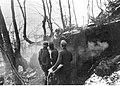 Abruzja. Stanowisko dowodzenia niemieckiego batalionu w lesie (2-2259).jpg