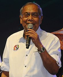 Adenan Satem during the Sejiwa Sanada programme at Kota Samarahan.jpg