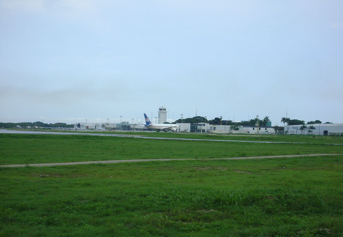 M U00e9rida International Airport