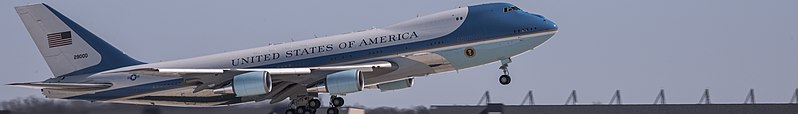 File:Air travel in the United States banner (Air Force One).jpg