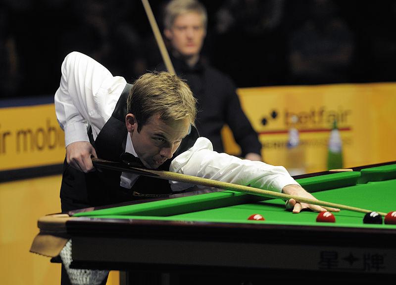File:Ali Carter and Jan Verhaas at Snooker German Masters (DerHexer) 2013-02-02 07.jpg