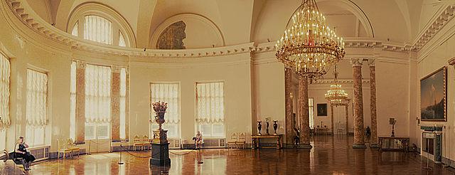 Один из залов Александровского дворца, построенного Екатериной для внука