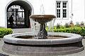 Altstadt Koblenz, Brunnen im Rathausinnenhof.jpg