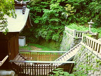 Amanawa Shinmei Shrine - Stairs between the haiden and the honden