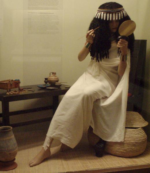 File:AncientEgypt-LadyApplyingCosmetics-ROM.png