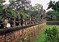 Angkor Thom pont i Porta Sud.jpg