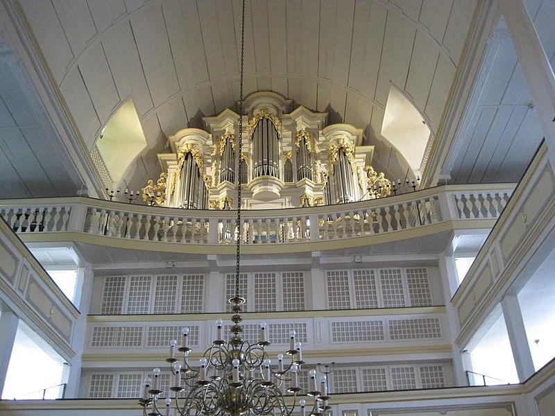 Arnstadt Bachkirche Orgeln.jpg