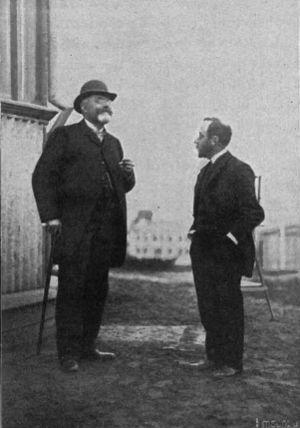 Richard Assmann - Assmann (left) with meteorologist Arthur Berson
