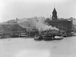 Auckland waterfront - The Auckland waterfront in 1912, with steam ferries at the ferry quay.