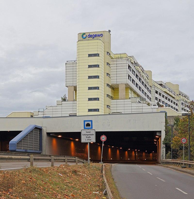 B-Wilmersdorf Nov12 Schlangenbader Tunnel.jpg