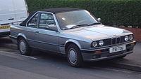 BMW 320I Convertible Automatic (14020395452).jpg