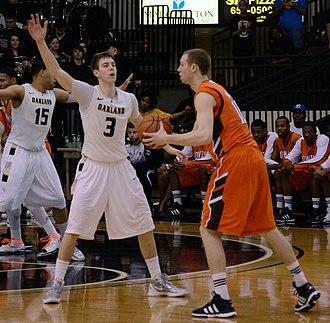 Travis Bader - Bader playing defense against Bowling Green
