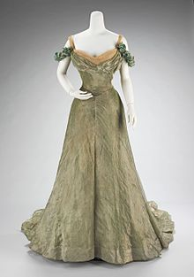 886c1dd38fef Ball gown designed by Jacques Doucet, 1898-1900, with characteristics of  the aesthetic dress movement : simple in design,