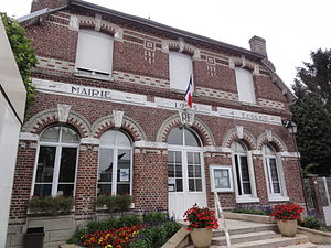 Beauvois-en-Vermandois - The town hall and school of Beauvois-en-Vermandois