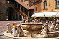 Bergamo-Piazza Veccia-Fontana Contarini (2003).jpg