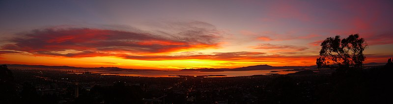 File:Berkeley-San Francisco-Oakland--Sunset-Panorama.jpg