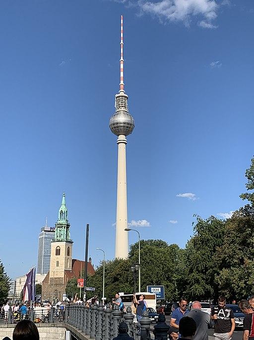 Berliner Fernsehturm in Berlin 01