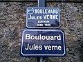 Boulevard Jules Verne plaque bilingue français-breton à Nantes.jpg