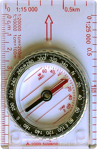 Magnetic declination - Adjustable compass set to a declination of 0° and a bearing of 307°