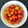 Bowl of cherry tomatoes (7761211916).jpg