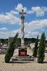 croix du cimetière de Branne