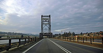 Bridgewater Bridge (Tasmania) - The Bridgewater Bridge (facing east). The rail line runs on the left (north side) of the causeway and bridge.