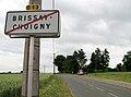 Brissay-Choigny sortie Nord (avec calvaire) 1.jpg