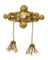 Brosch av guld med orientaliska pärlor,, 1840-tal. Del av garnityr - Hallwylska museet - 109873.tif