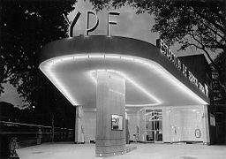 Buenos Aires - Estación de servicios en 1951.jpeg
