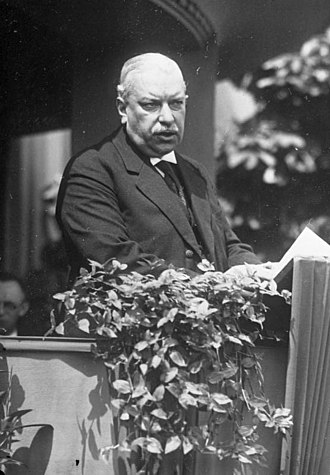 Elzach - Robert Dietrich in 1930 as minister of finance