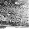 Bundesarchiv Bild 195-2330, Rheinbefliegung, Istein.jpg
