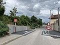 Cédez le passage à la circulation venant en sens inverse, rue du Figuier au niveau de l'arrêt Colibri Saint-Maurice-de-Beynost Mairie (juin 2020).jpg