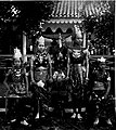 COLLECTIE TROPENMUSEUM Bruidspaar uit Bantam West-Java ze zijn verkleed als Hinduvorsten en worden beschouwd als 'vorsten voor één dag'. TMnr 60003240.jpg