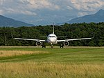 CS-TNT Airbus A320-214 Sharklets A320-S - TAP (27976629180).jpg