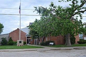 Hardin, Illinois - Calhoun County Courthouse