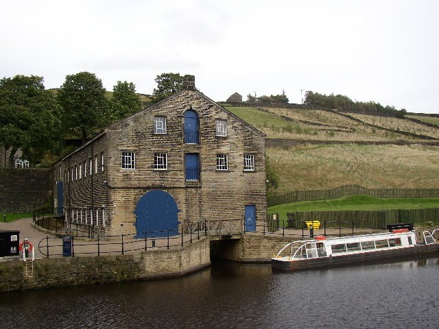 Canal Warehouse, Tunnel End, Marsden - geograph.org.uk - 70472