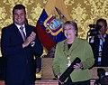 """Canciller Patiño acompaña a Presidente Correa durante condecoración con la """"Orden de San Lorenzo en Grado de Gran Collar"""" a Michelle Bachelet (4691789534).jpg"""