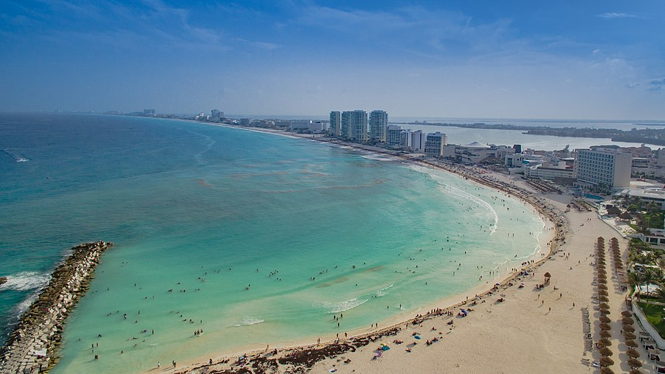 Cancun Strand Luftbild (22156904032)