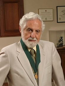 Carl Djerassi HD2004 AIC Gold Medal crop.JPG