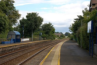Carnalea railway station - Carnlea station in 2006. This is the view towards Bangor with the down platform on the left.