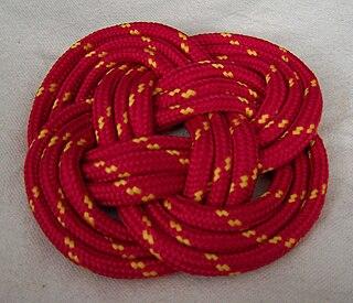 Carrick mat Flat woven decorative knot