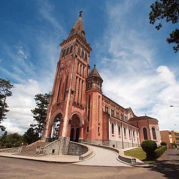 Tập tin:Cathedral of Da Lat.jpg