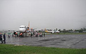 Cebu Pacific Airbus 319/320 at Legazpi City Ai...