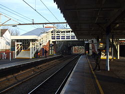 Chadwell Heath stn slow platforms look east 2013.JPG