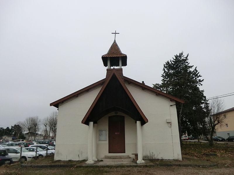 Chapelle du camp militaire de La Valbonne.