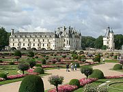 Le Château vu du jardin de Diane de Poitiers