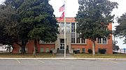 Chicot County Courthouse 001.jpg