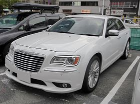 Chrysler 300 Limited (LX36) front.JPG