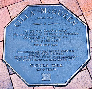 Cilla McQueen - Image: Cilla Mc Queen memorial plaque in Dunedin