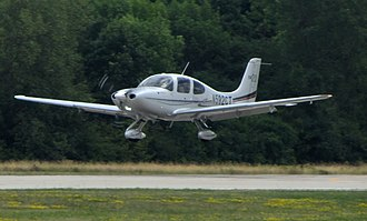 2006 New York City plane crash - A Cirrus SR20 similar to the aircraft involved in the incident